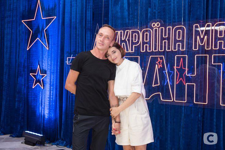 Наталья Лебердюк и Денис Моторосо на шоу Україна має талант