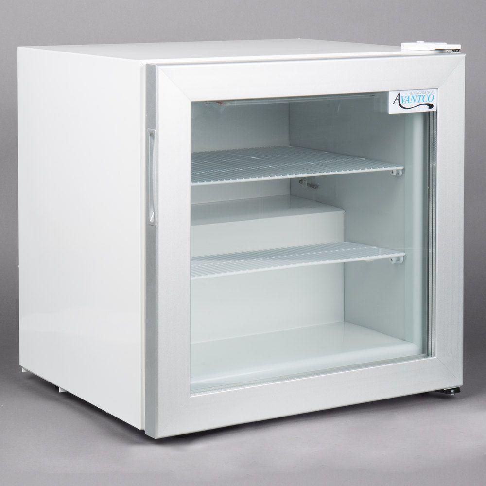 Avantco Cfm2 White Countertop Display Freezer With