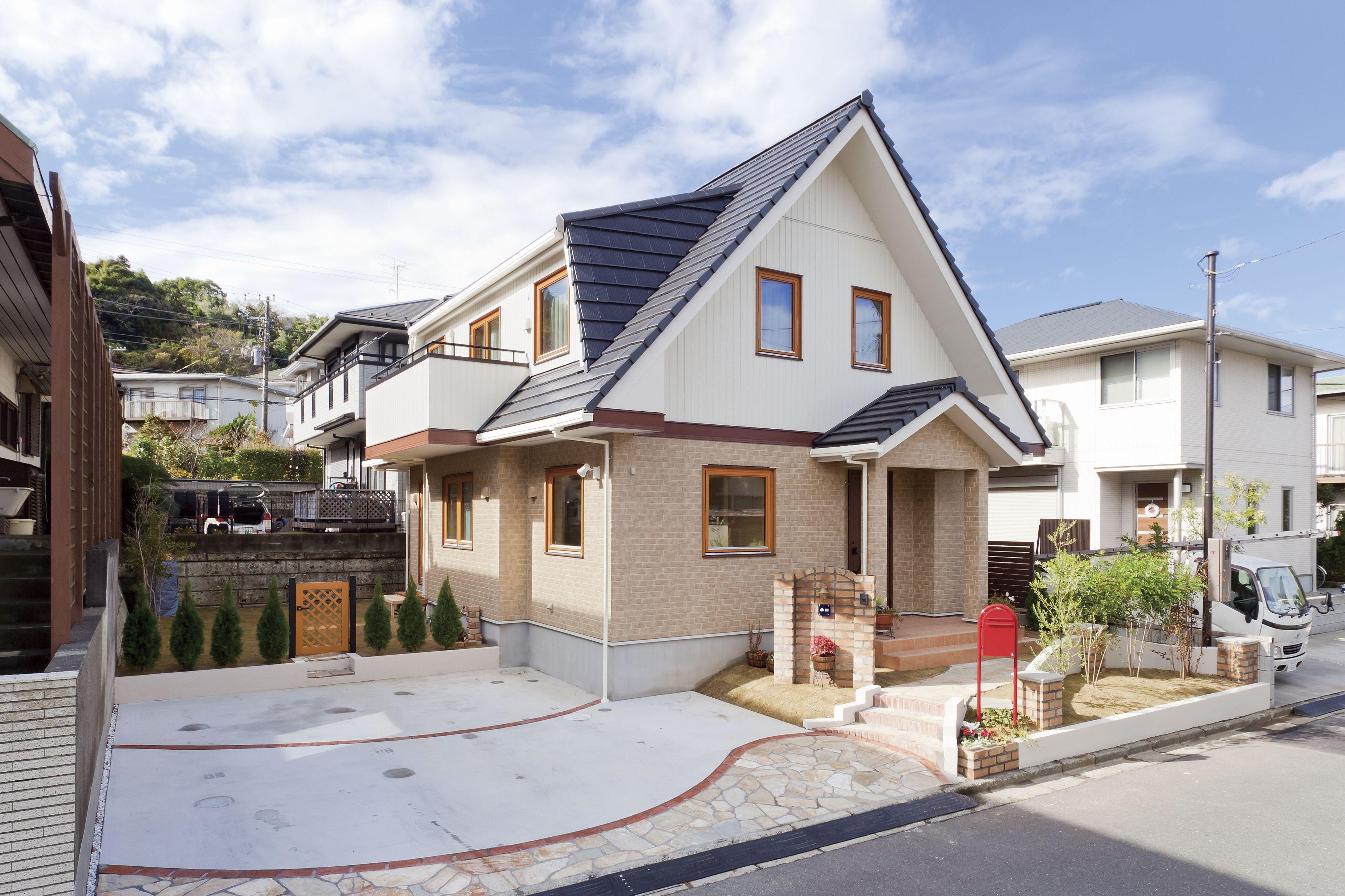 北欧外観 ツートン外観 北欧住宅 木製サッシ 木製窓 北欧住宅