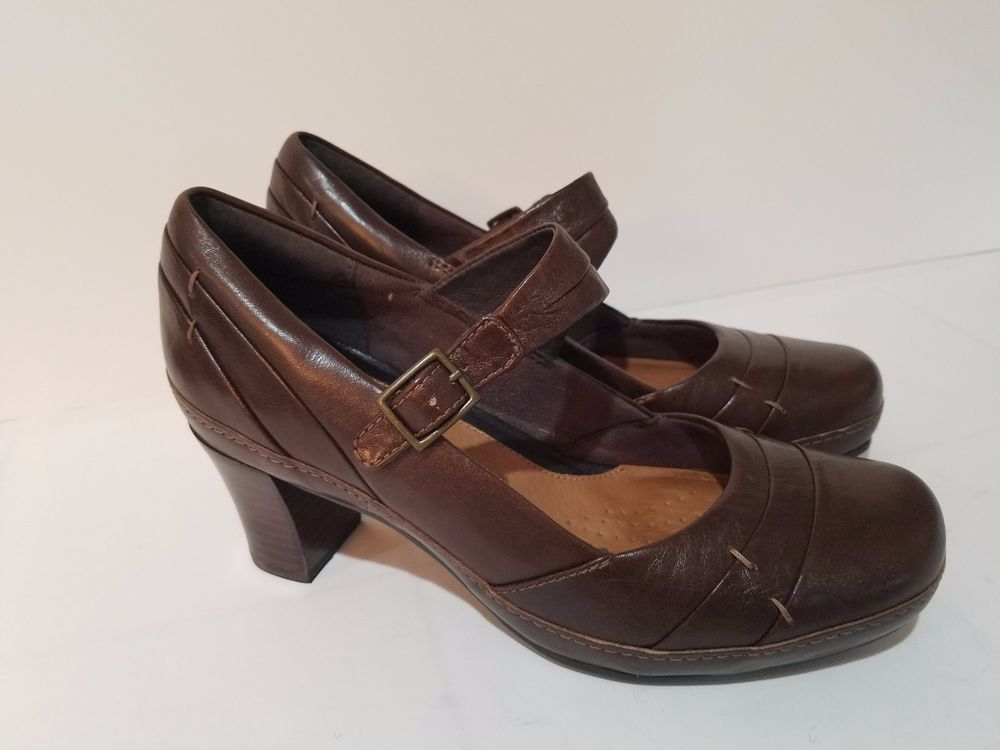 7c073cc573674 CLARKS Artisan Brown Leather Mary Jane Strap Heels Comfort Shoes Womens Size  6 M #Clarks #MaryJanes #Casual
