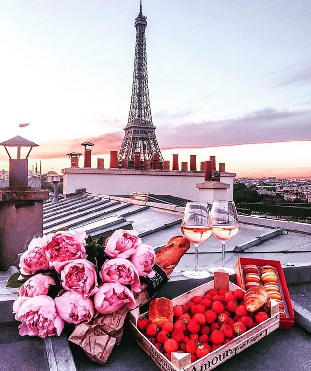 Paris Evenings Tag Who You Would Share This With Feelgood Vibes Paris Eiffeltower Flowers Peonies Wine Datenigh Paris Paris Travel Beautiful Places