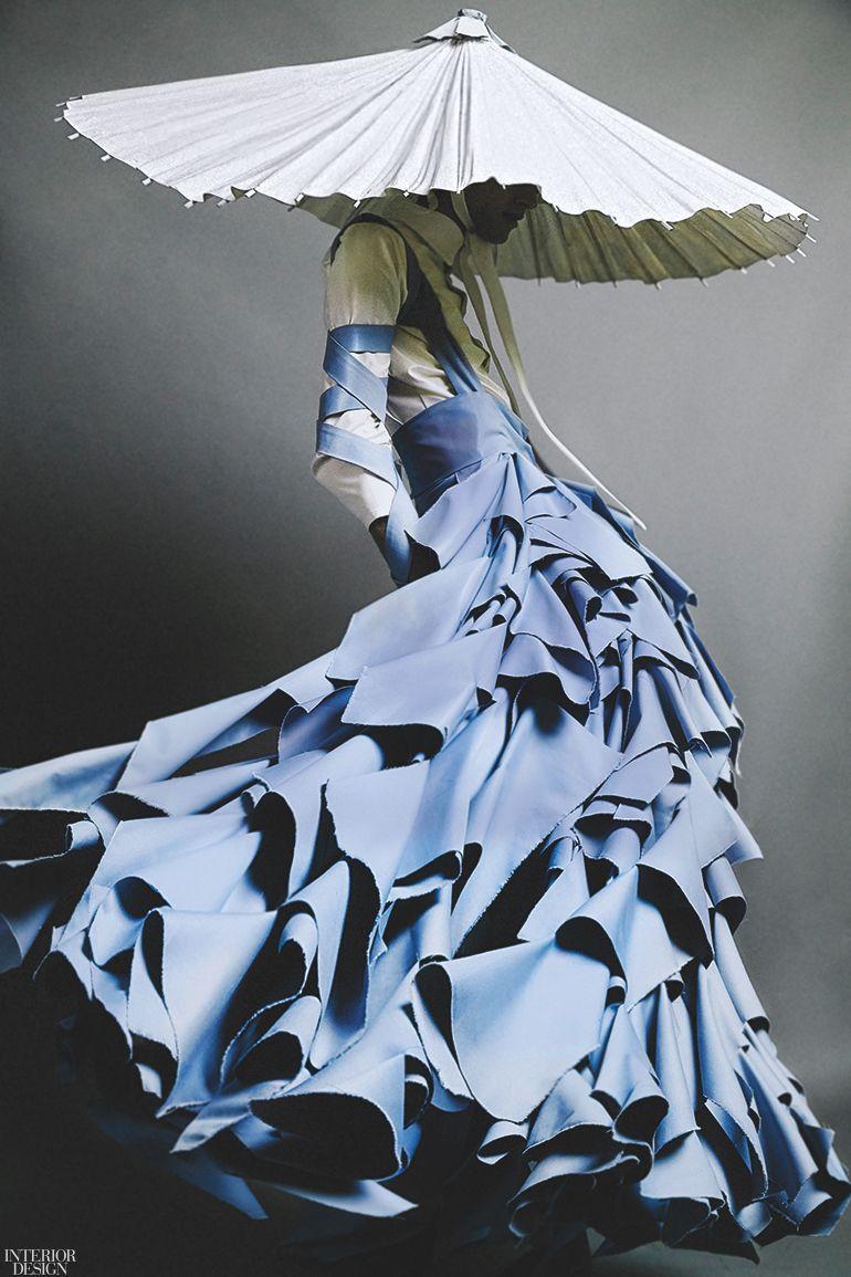 "Photo of ""Gender Bending Fashion"" Exhibition in Boston Reveals Blurry Boundaries in Male/Female Attire"