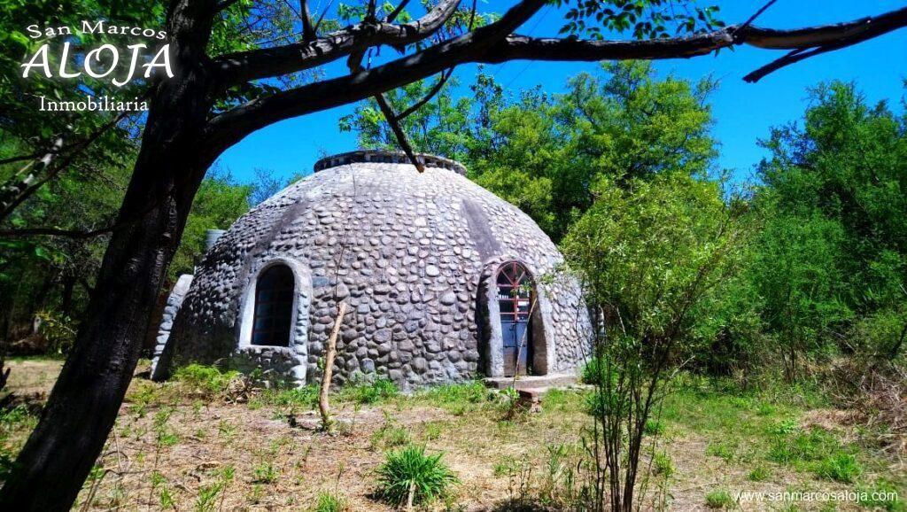 Inmobiliaria Aloja Vende Casa Iglú Con Amplio Terreno Cerca De La Ruta En Las Gramillas San Marcos Sierras Aloja Inmobil Sierras Pozos De Agua San Marcos