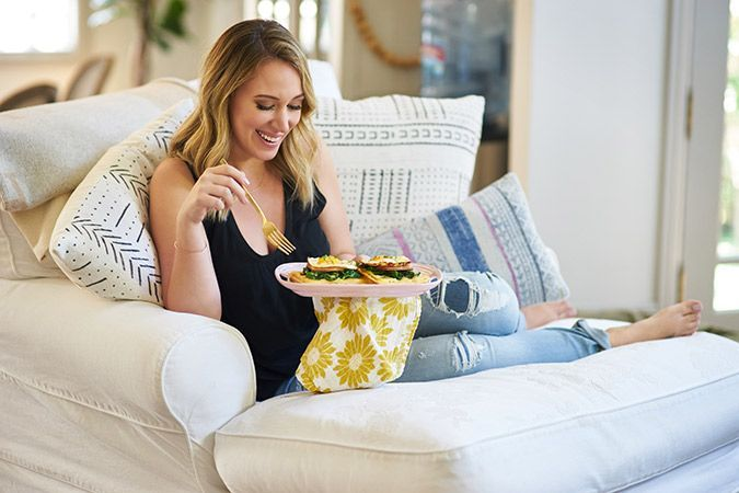 ladies who laptop chatting with haylie duff of the real girls kitchen - Real Girls Kitchen