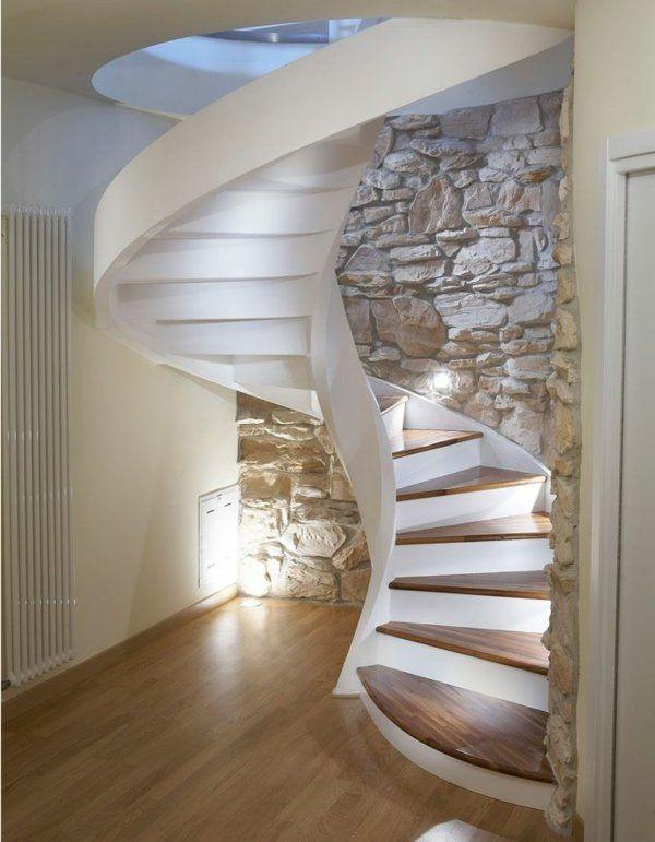 escalier helicoidal blanc