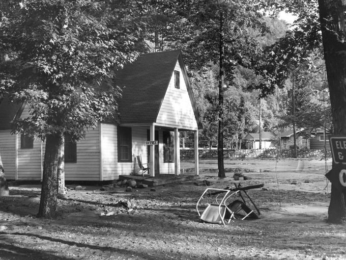 Mud covers a yard after a flash flood Sept. 2, 1951, | Mud ...