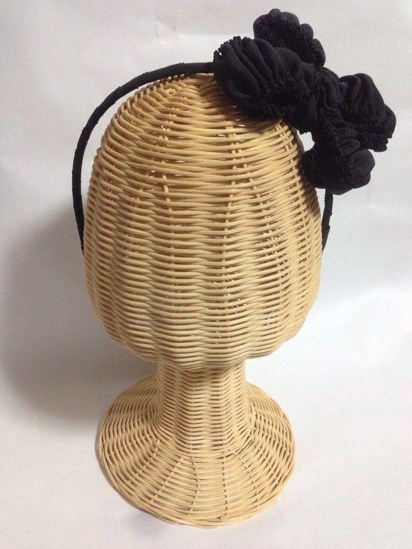 gather ribbon カチューシャです。クシュクシュと ギャザーを寄せたカチューシャです。ボリュームのあるギャザーが 華やかで可愛らしい印象を与えてくれ...|ハンドメイド、手作り、手仕事品の通販・販売・購入ならCreema。