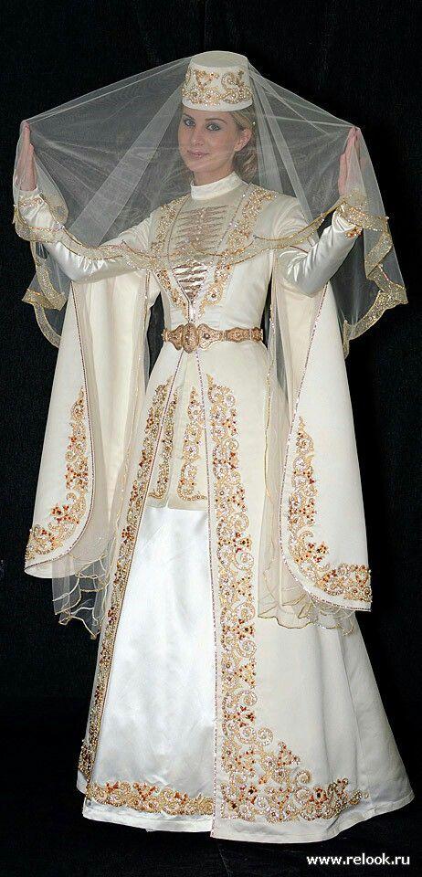 Robe de mariee caftan moderne