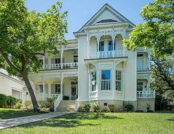 Real Estate Listings Old Mansions For Sale Victorian Farmhouse Victorian Homes