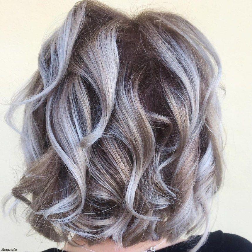 Platinum Blonde and Curly Lob Hair | Platinum blonde hair, Platinum blonde  hair color, Platinum blonde