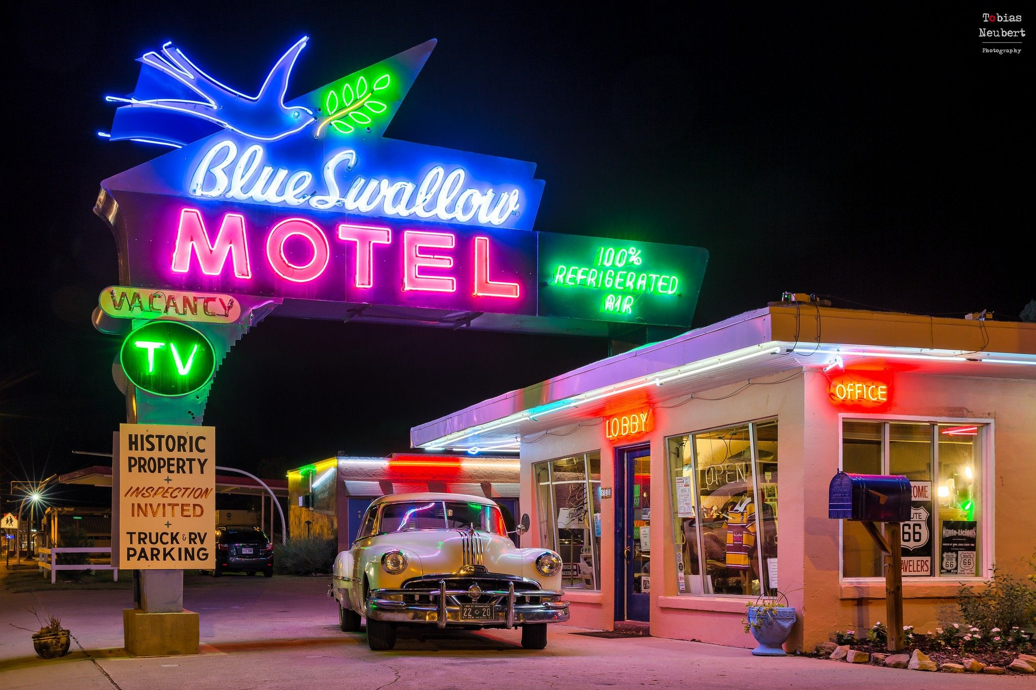2955161980svintage.jpg (2048×1365) Blue swallow motel