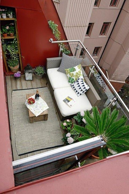 Balkon Gestalten Klein Sehr Praktisch Einladend Zum Relax Balkon