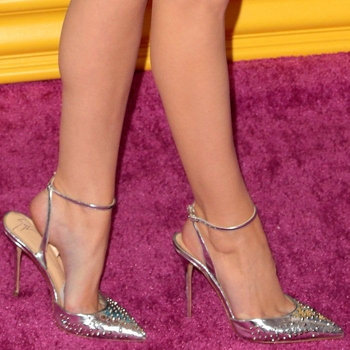 ebfaec6fc9 Anna Kendrick shows off her sexy feet in silver metallic studded 'Kaley'  pumps from Giuseppe Zanotti
