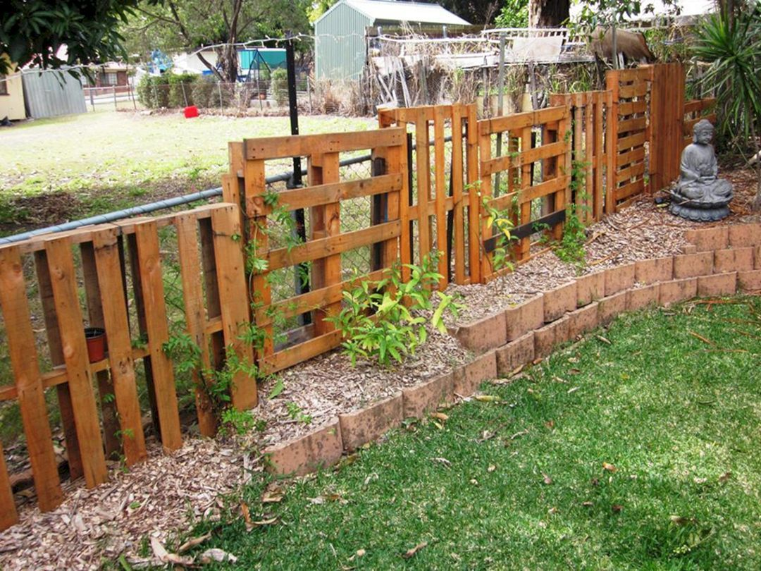30 Awesome Diy Fence Garden Design With Wood Pallets Ideas