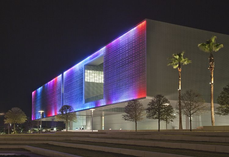 the new tampa museum of art it is lovely at night with the lights