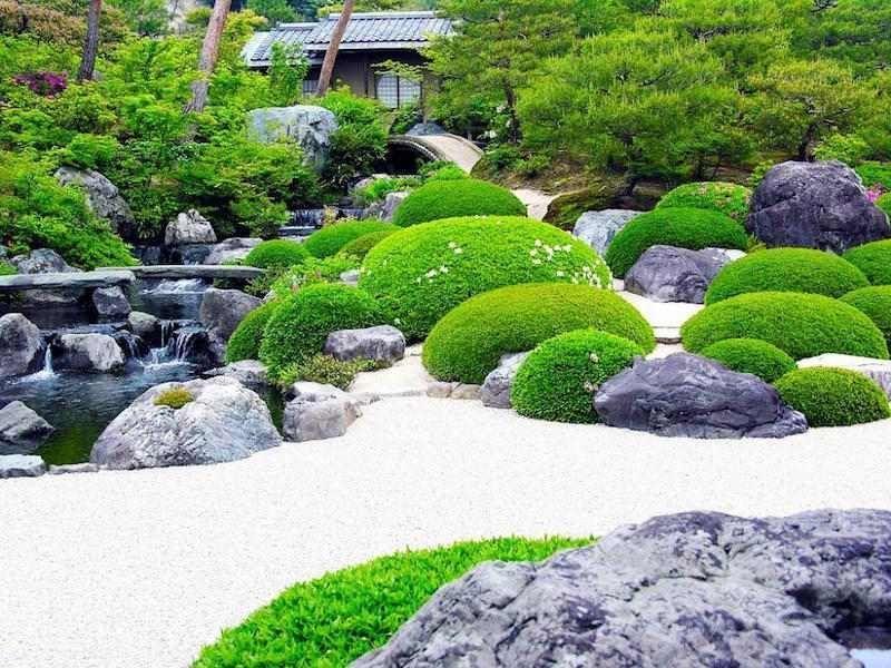 Dise o de decoraci n de jard n japon s con musgo cascada for Decoracion jardin japones