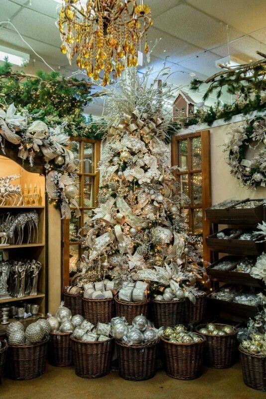 Decorators Warehouse in Arlington, Texas | ❆ Christmas ...
