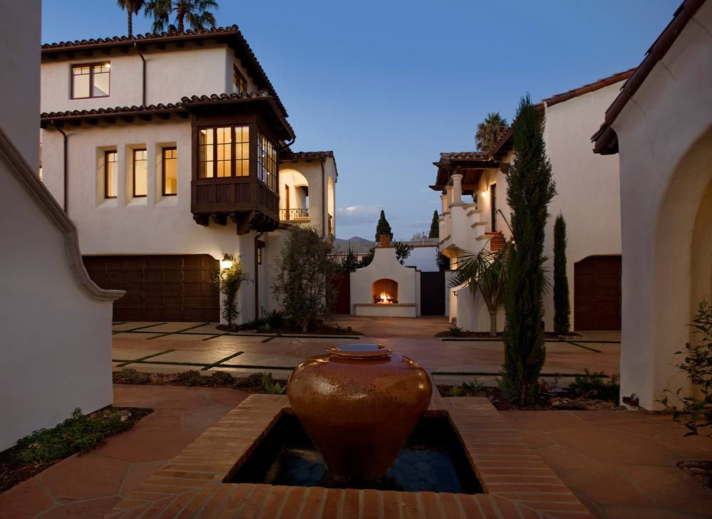 Multi family yanonali court santa barbara california for Multi family architecture