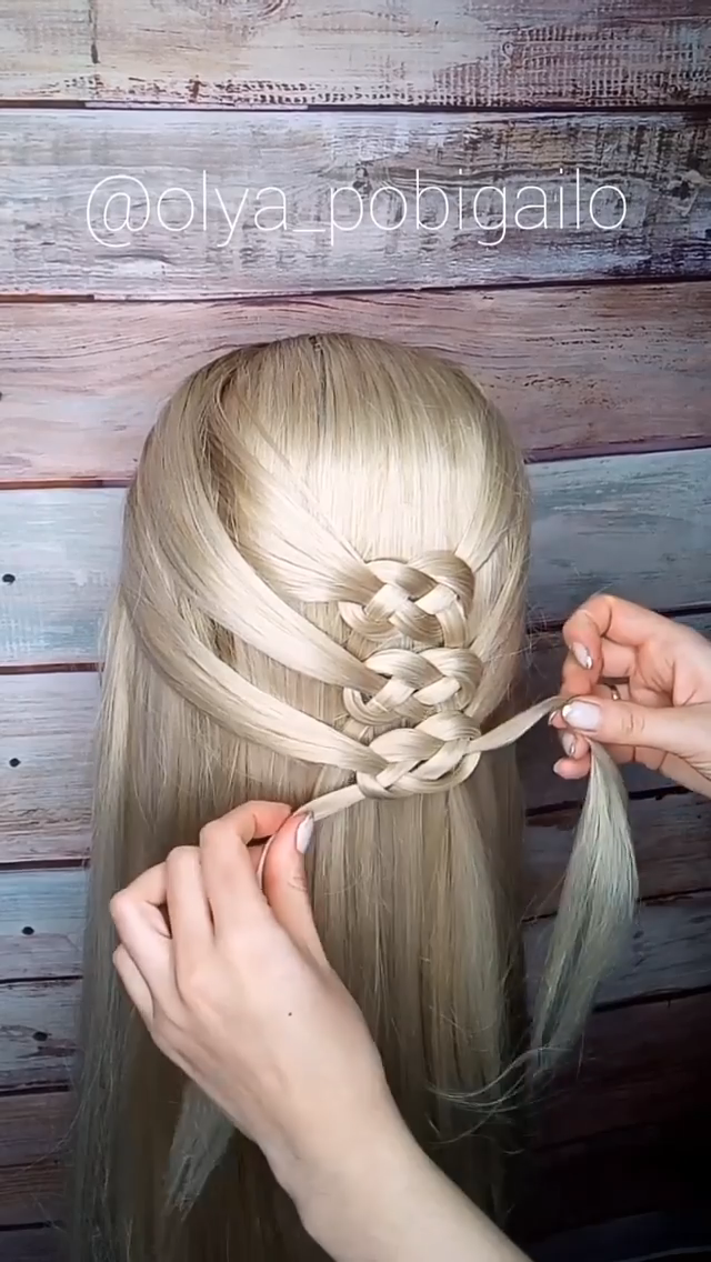 Infinity Braid Tutorial Celtic Knots Braid Celtic Infinity In 2020 Einfache Frisuren Fur Langes Haar Frisuren Lange Haare Geflochten Frisuren Langhaar