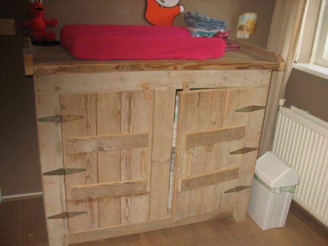 Vinyl Steigerhout Look : Steigerhouten commode steigerhout in de slaapkamer pinterest