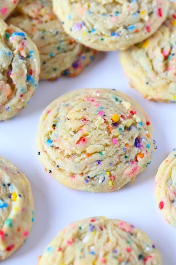These SUPER SOFT Sprinkle Pudding cookies are so so easy and loaded with vanilla flavor! #quickcookierecipes
