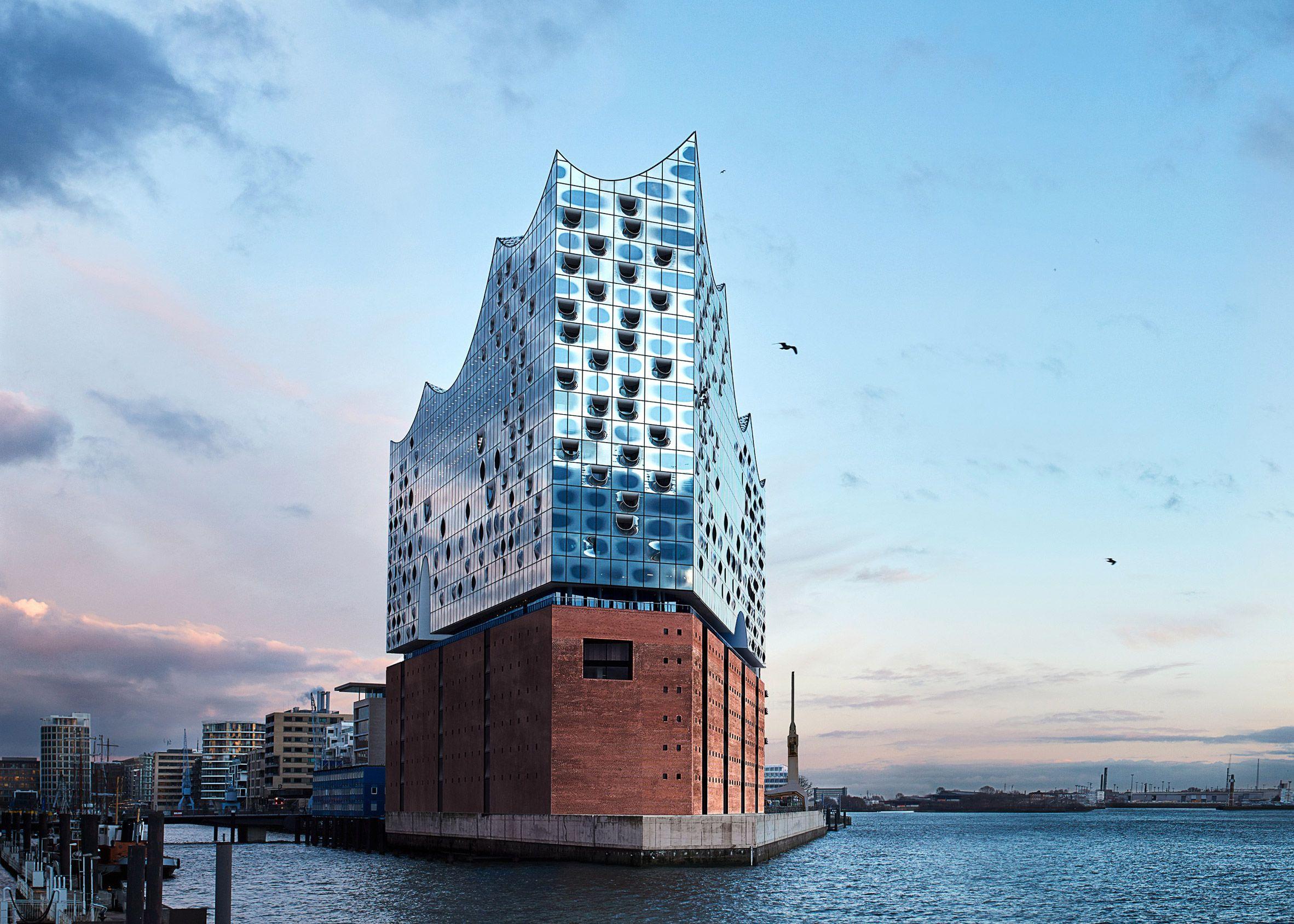 Elbphilharmonie By Herzog De Meuron Elbphilharmonie Hamburg Concert Venue Eco Buildings
