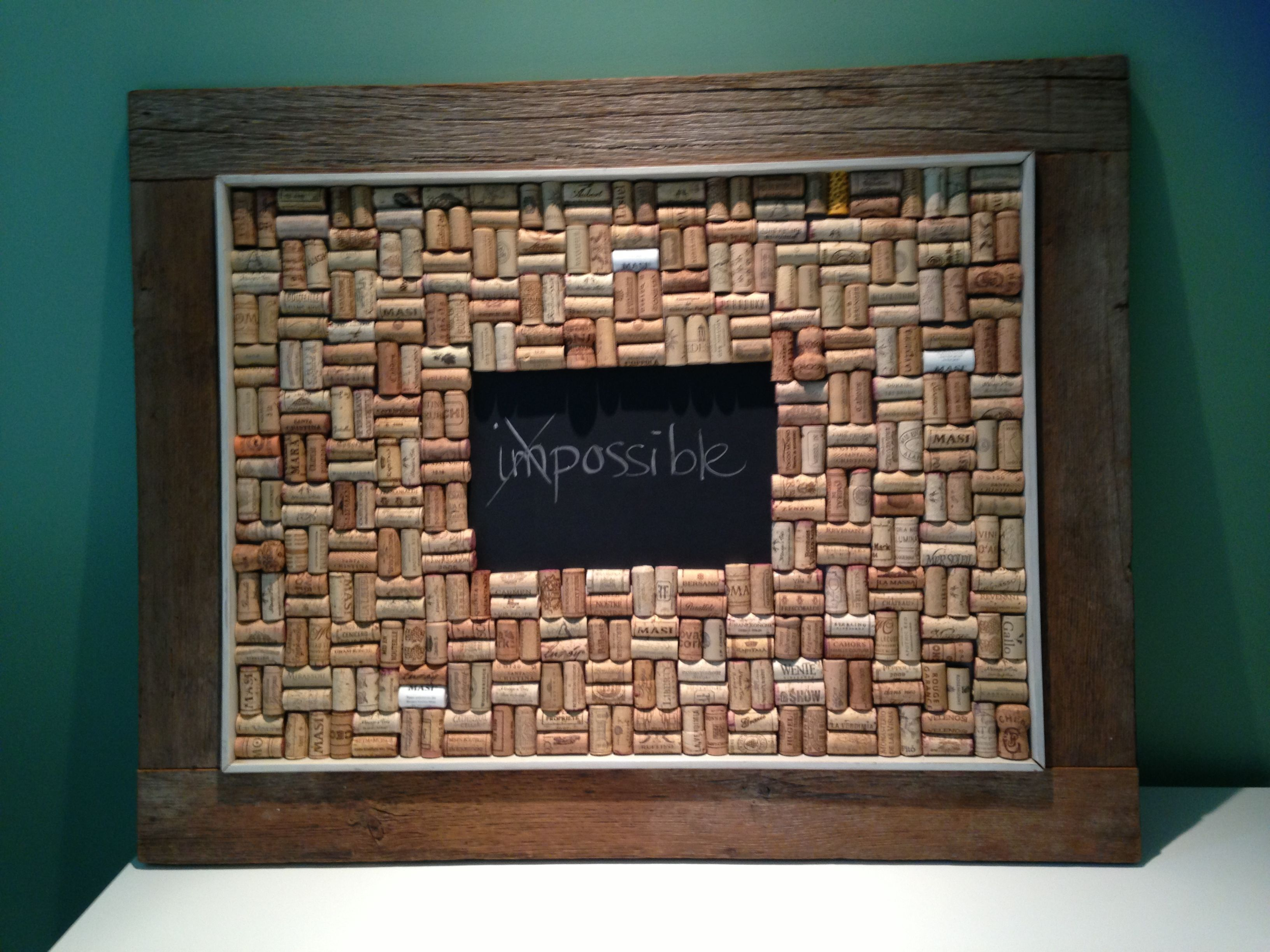 cadre tableau bouchons de li ge liege bouchons bouchonsdeliege cork wine corkwine tableau. Black Bedroom Furniture Sets. Home Design Ideas