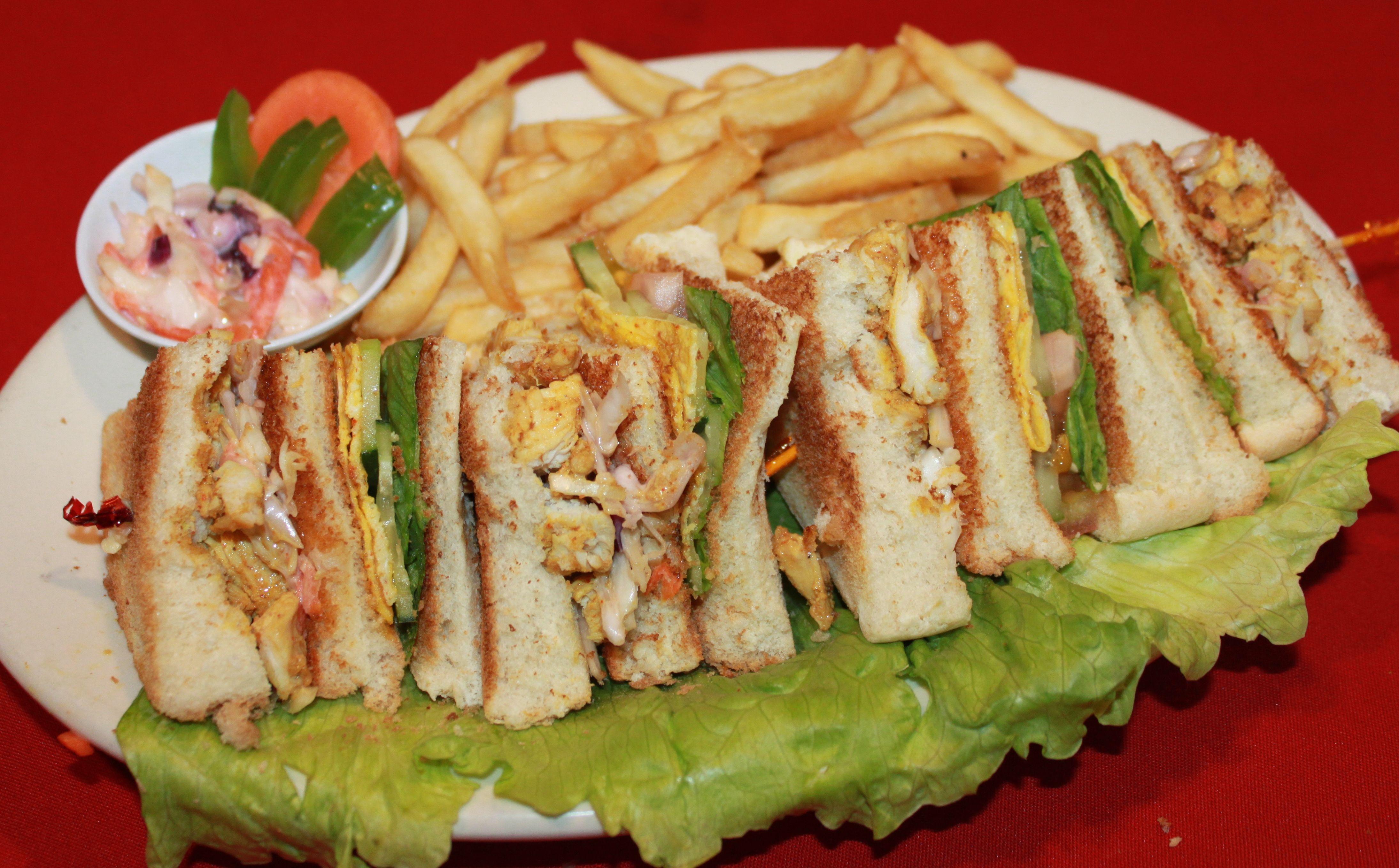 Chicken-Club-Sandwich.jpg 4378×2717 pixel