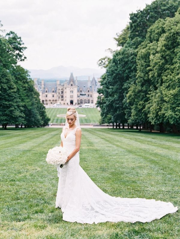 Romantic Wedding At The Biltmore House Biltmore Wedding Asheville Wedding Romantic Wedding Receptions