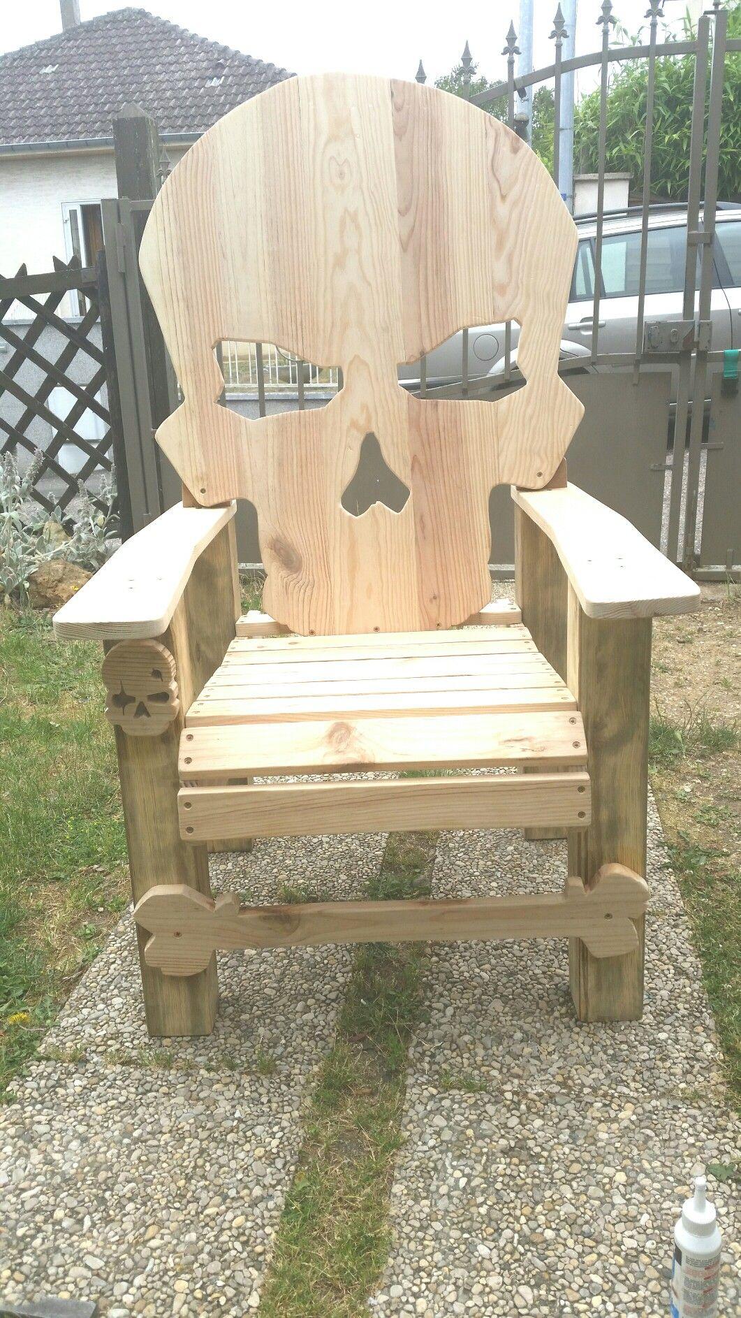 Etape 12 Adirondack Chair Skull Termine Diy Skull Fauteuil By R2eko Gp Creations En Bois Diy Meuble Fauteuil