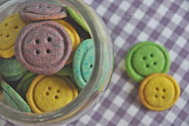 [ luzia pimpinella BLOG ] backen: bunte kbopfkekse / baking: colorful button cookies
