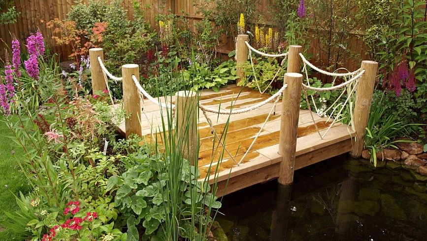 Deck with Rope Fence, for front garden   Sloped backyard ...