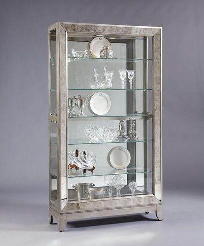 Pulaski Curio Display Cabinets available at Lauter's Fine Furniture    #PulaskiCabinets #PulaskiDisplayCabinets #PulaskiFurniture
