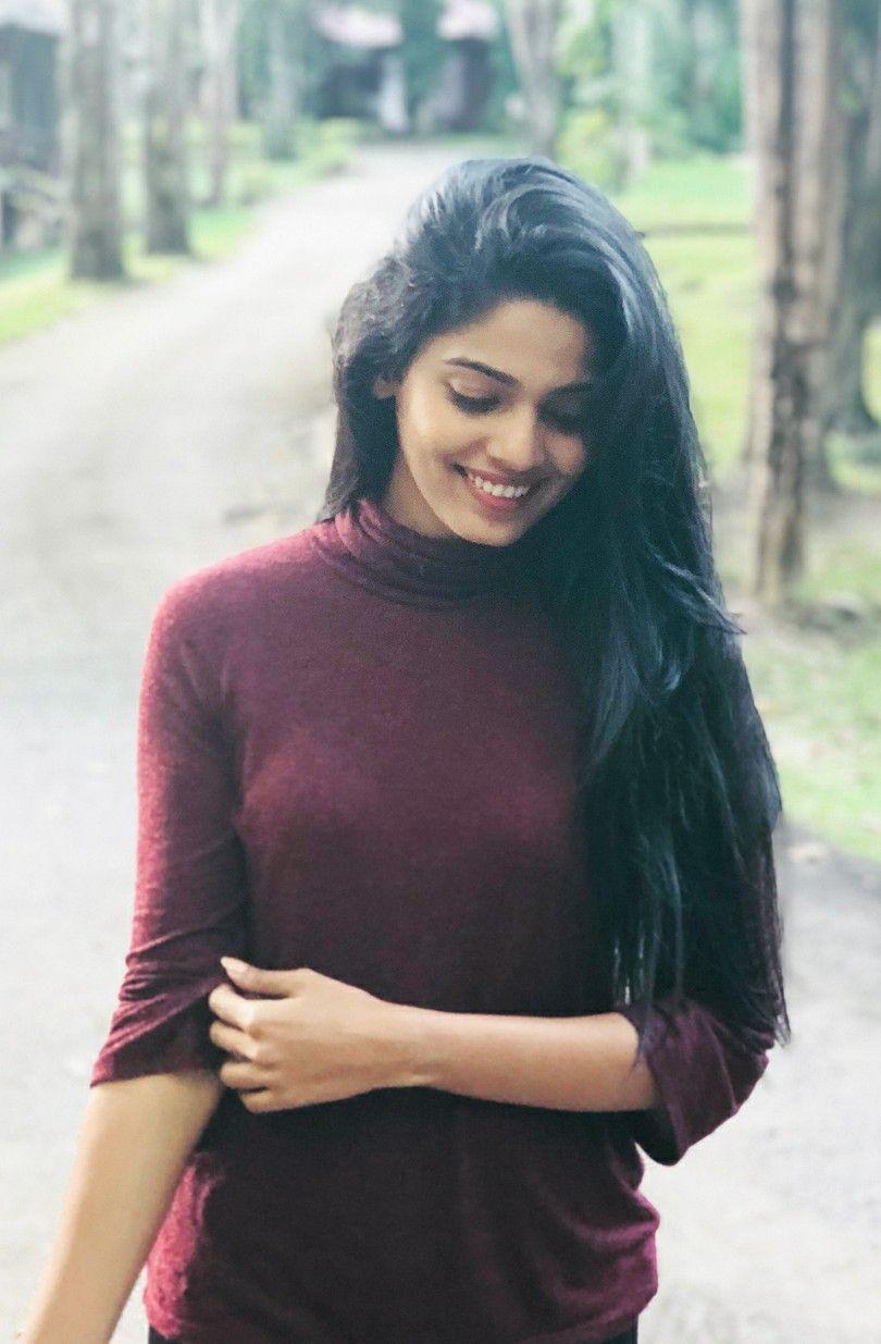 Pooja Sawant style | Stylish girl images, Desi beauty, Beautiful indian  actress