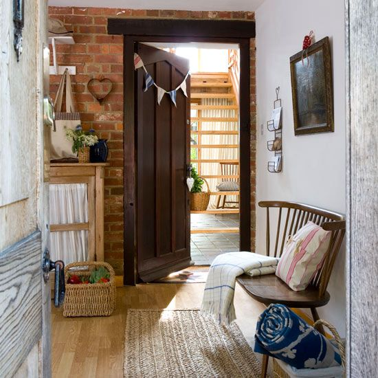 Hallway Decorating Ideas For Big Houses: Gustavian And Scandinavian