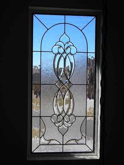 Traditional stained glass door design stained glass for Glass cut work designs