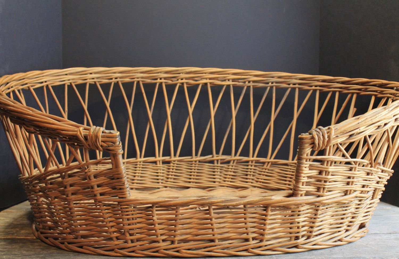 Vintage Hand Woven Wicker Dog or Cat Basket // Pet Bed