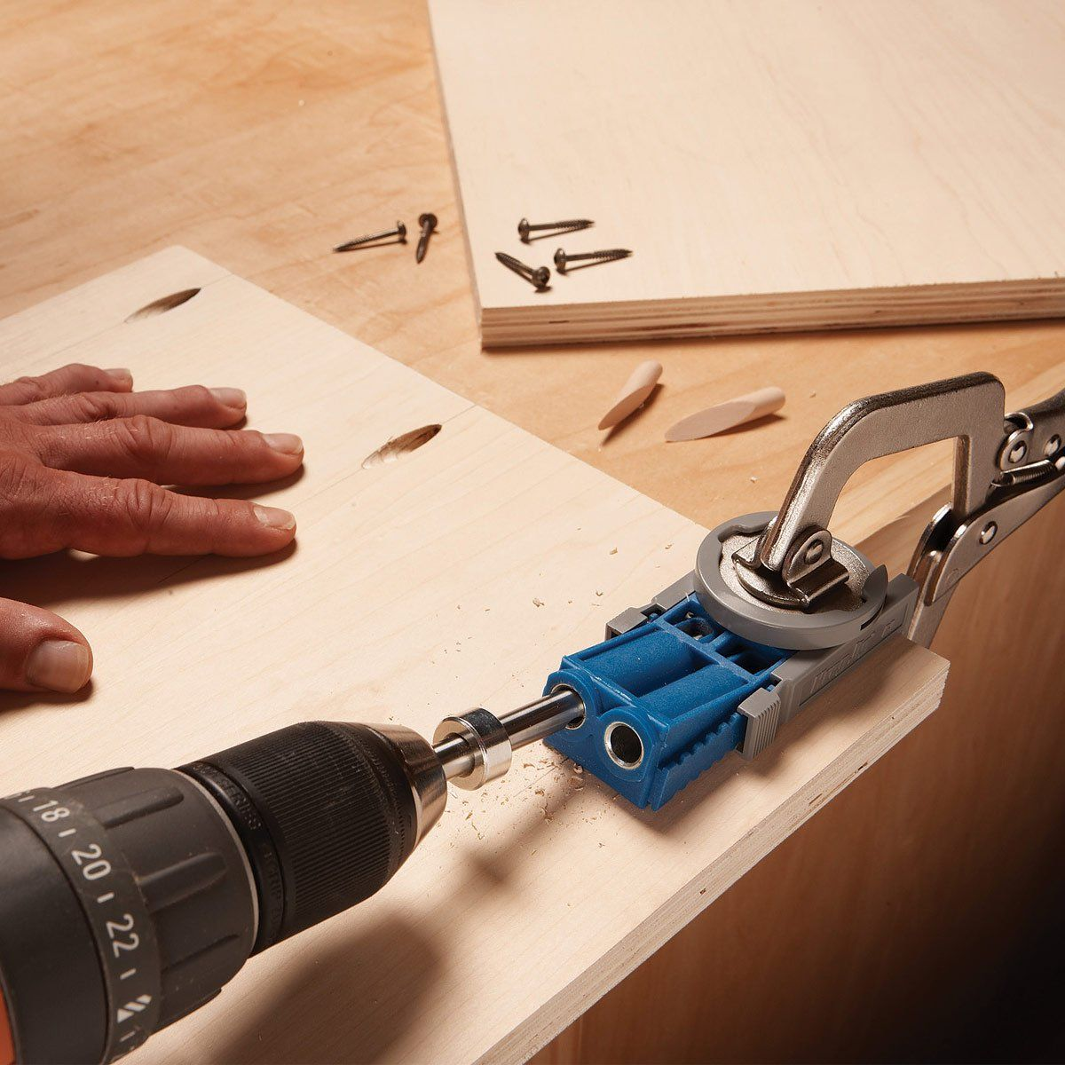 The Easiest Joining System Out There That Everyone From Diyers To Professional Cabinet Makers Adores This Kreg Woodworking Pocket Hole Jig Kreg Pocket Hole Jig