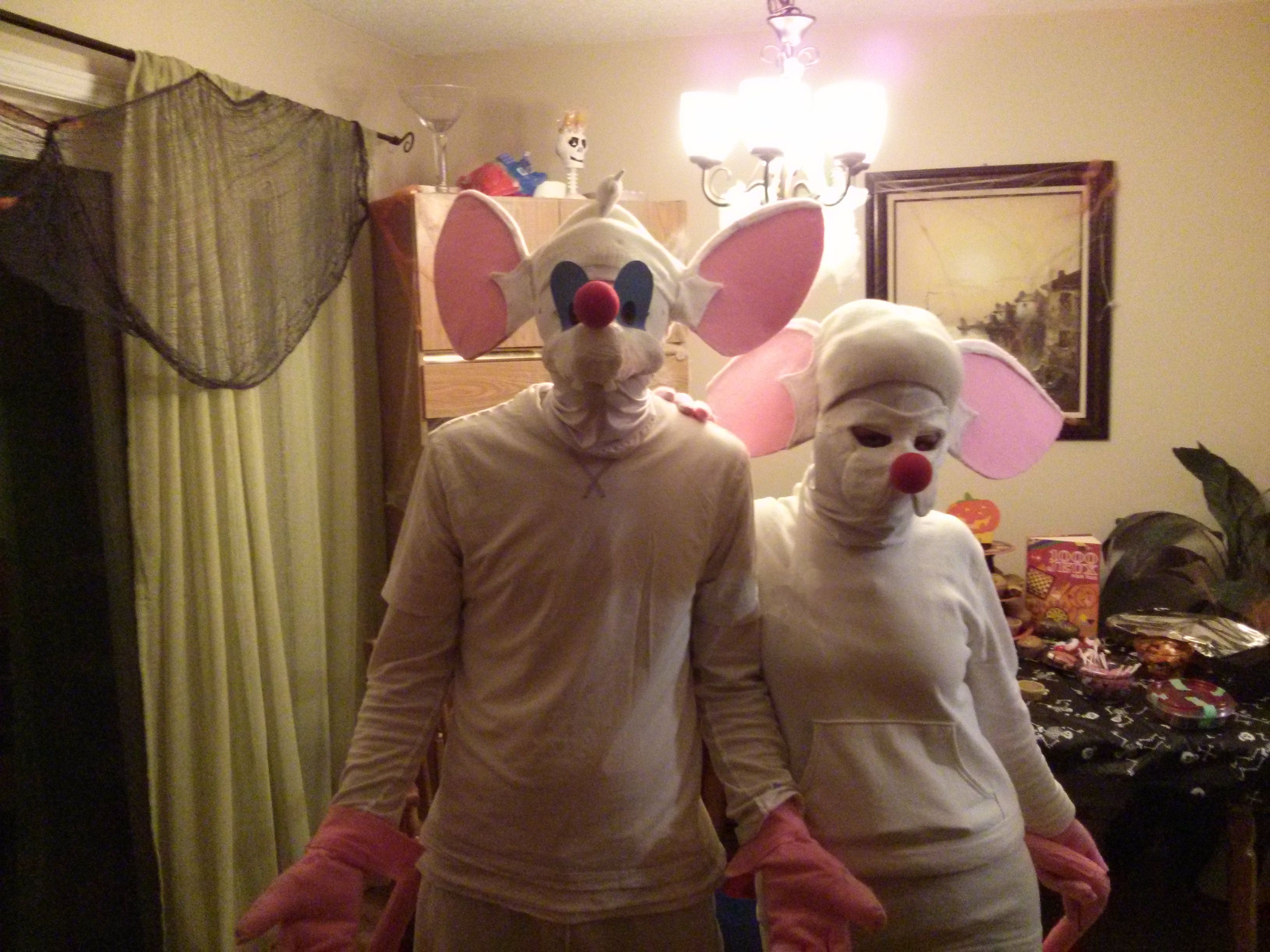 alexander as pinky and meagan as brain from pinky and the brain animaniacs as well