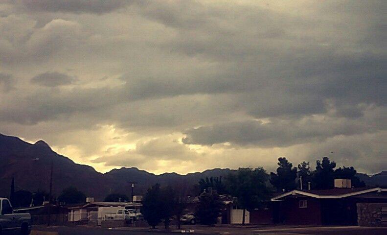 Drabby cloudy skies ☁⛅☁