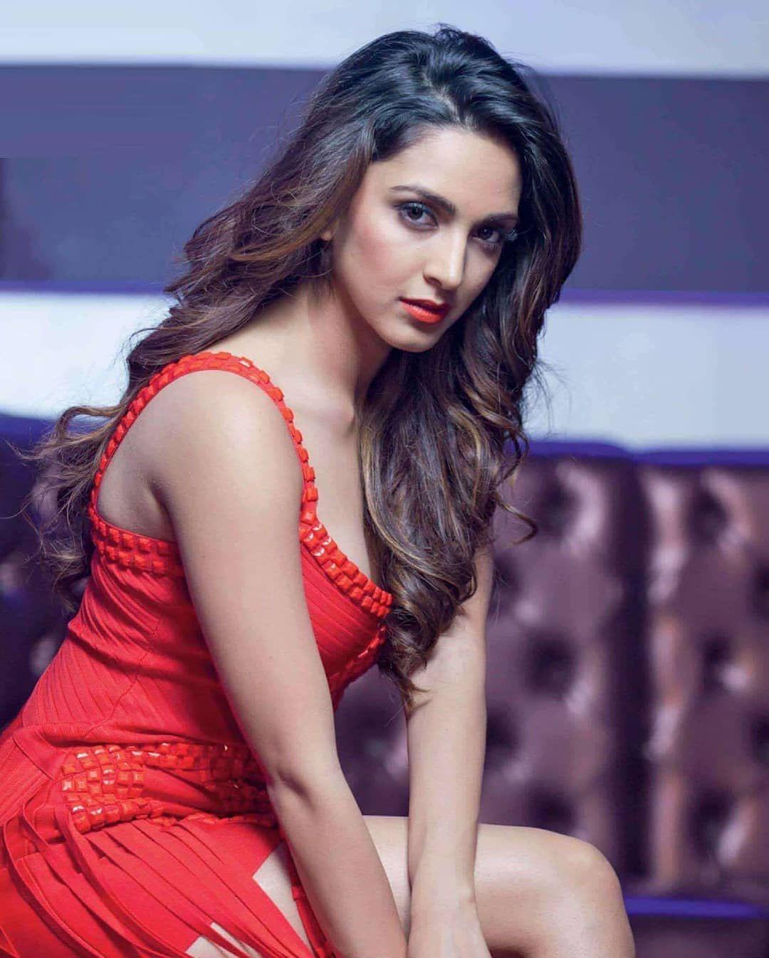 indische schauspielerin pooja bhatt nude pic