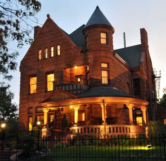 A Gorgeous Romantic Denver Bed And Breakfast Nestled In