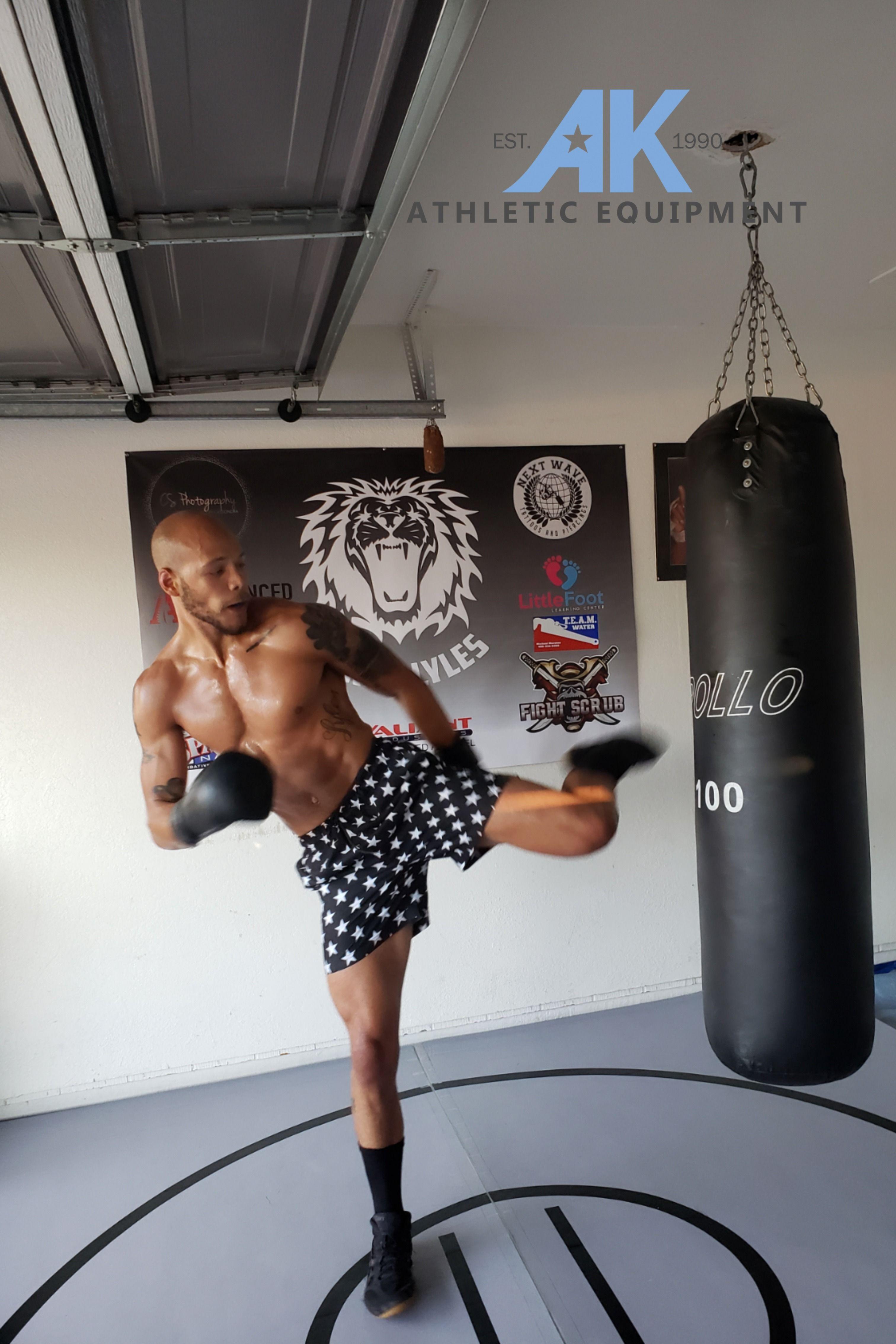 8 X 8 X 1 3 8 Roll Up Wrestling Mat In 2020 Boxing Gym Home Gym Design Garage Gym