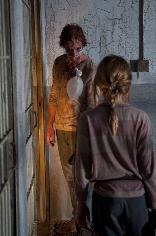 """The Walking Dead: Internment"""