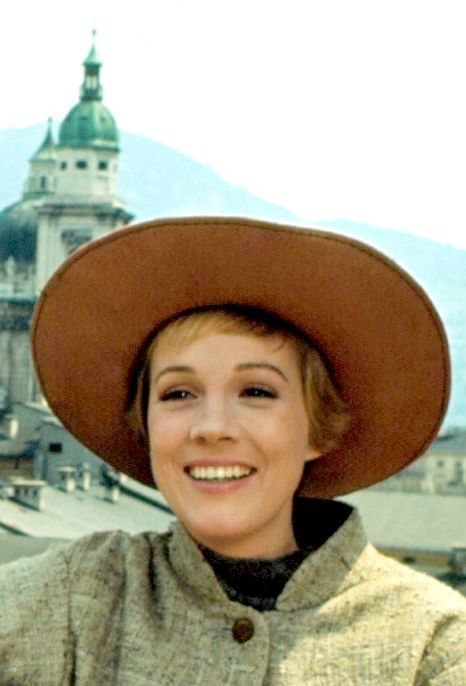 Julie Andrews The Sound Of Music 1965 With Images Sound Of Music Movie