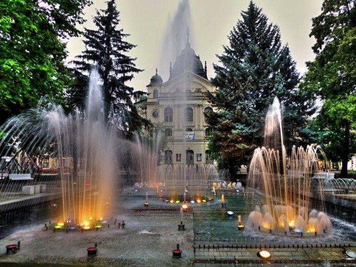 Spievajúcu fontánu a Štátne divadlo v meste Košice, popredných miestach na návšteve na slovenskom