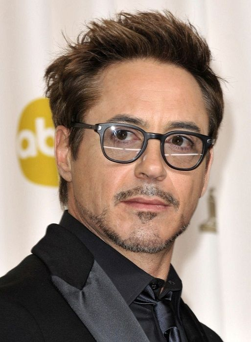 Robert Downey Jr Hairstyle This Low Maintenance Haircut Looks So Beautiful On Every Men Robert Downey Jr Iron Man Robert Downey Jr Downey Junior