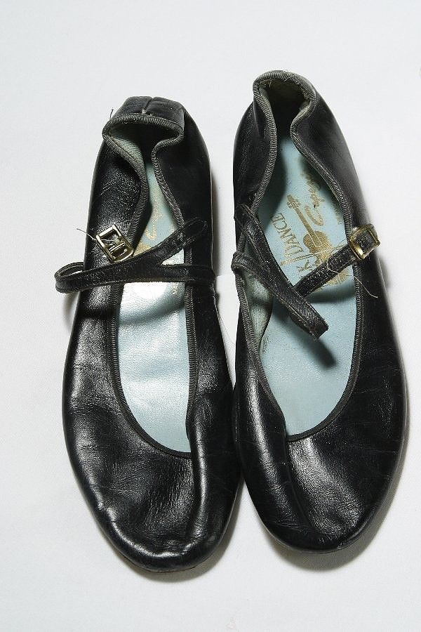 audrey hepburns shoes worn with her little black dress