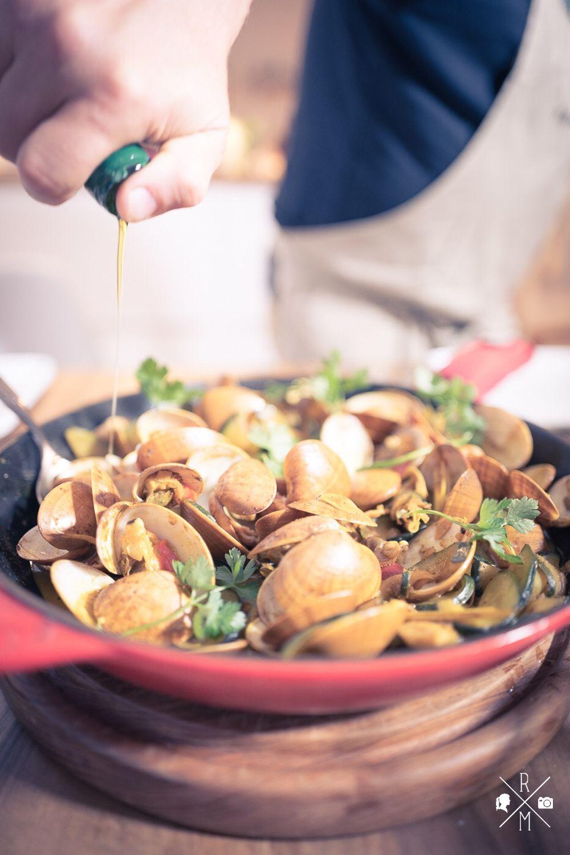scharfes Venusmuschel Curry mit Zucchini und Giabatta | relleomein.de