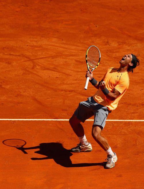 A classic, extremely expressive Rafa Nadal celebration.